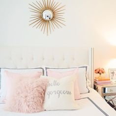gorgeous glamorous and girly room inspiration! Love the pretty blush pink and gold touches - Pillow Art Dream Rooms, Dream Bedroom, My New Room, Beautiful Bedrooms, Home Interior, House Rooms, Home Design, Design Ideas, Design Blogs