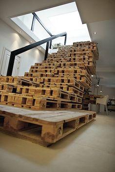 brilliant d-i-y pallet desks, table, stairs - Improvised Life