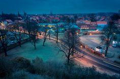 https://flic.kr/p/ioPyDP | Lichtspuren am kühlen Morgen | Dieses Bild entstand in Quedlinburg vom Münzenberg aus an einem frostigen Dezembermorgen.