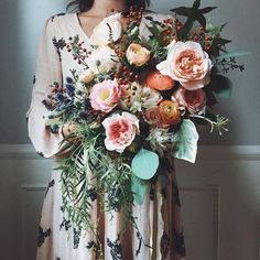 Bella Wedding, Chic Wedding, Wedding Trends, Wedding Ceremony, Wedding Ideas, Fall Wedding Dresses, Wedding Dress Shopping, Wedding Bouquets, Dinner Gowns