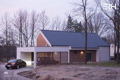 House H5 in Skierniewice, Poland #architecture #design #modernarchitecture #dreamhome #home #house #passivehouse #energysavinghouse  #modernhome #modernhouse #moderndesign #homedesign #modularhouse #homesweethome #scandinavian #scandinaviandesign #lifestyle #evening #nature #ecoreadyhouse #erh