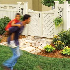 4 Creative and Modern Tricks: Split Rail Fence Repair living fence dream homes.Cheap Front Yard Fencing aluminum fence on slope.Old Chain Link Fence. Front Yard Fence, Diy Fence, Backyard Fences, Garden Fencing, Fenced In Yard, Fence Ideas, Backyard Ideas, Garden Gate, Patio Ideas