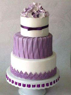 White Wedding Cakes Purple Wedding Cake love the different textures. Esp love the middle layer - Purple Cakes, Purple Wedding Cakes, Beautiful Wedding Cakes, Gorgeous Cakes, Pretty Cakes, Amazing Cakes, Cake Wedding, Yellow Wedding, Gold Wedding
