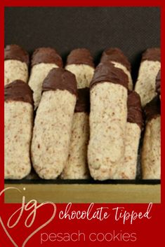 For dessert, make something super easy that can also stay in the freezer and you can enjoy individual portions all Passover long. This great take-a-long snack couldn't be easier to prepare! Passover Desserts, Passover Recipes, Jewish Recipes, Food Terms, 5 Ingredient Recipes, Fourth Of July Food, Breakfast Snacks, Gluten Free Chocolate, Diy Cake