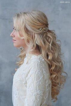 long wavy half up half down wedding hairstyle with pearl headpiece