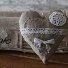 "Coeur en tissu a suspendre ""shabby chic"""