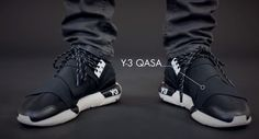 The Y3 Qasa comes from a branch of Adidas, focusing on fashion and innovation. Designed by Yohji Yamamoto