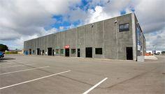 LAGER / VÆRKSTED - NYBYGGERI     Godt regulært lagerlejemål med ledhejseport.    Det ideelle lejemål for iværksætter eller virksomhed der har behov for ekstra lagerplads.    Beliggende i attraktivt handelskvarter lige i rundkørslen Frederikshavnsvej/Ringvejen.    Der er gode tilkørsels- og p - forhold.     Her er linket: http://www.lokaleportalen.dk/regionnordjylland-lager/9800-hjoerring/frederikshavnsvej/2269