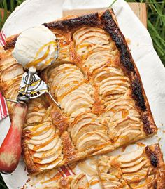 Almond and apple pie is the perfect recipe with apples. Find these and other apples recipes on EatOut South African Recipes, Apple Pie Recipes, Perfect Food, Diy Food, Almond, Pork, Apples, Kale Stir Fry, Almond Joy
