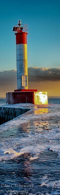 #Lighthouse - Embarcadero de #faro de Oakville en el invierno. http://dennisharper.lnf.com/
