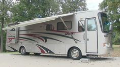 2007 Monaco La Palma 36wbd class A diesel motorhome, 39k miles, 2 slides, excellent condition. RV for sale by owner..SOLD! www.HelpSellMyRV.com Louisville Kentucky 502-645-3124