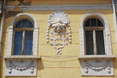 Old house facade on Ulitsa Alexandrovska Most Beautiful Cities, Facade House, Bulgaria, Vienna, Backpack, Lion Sculpture, Europe, Statue, City
