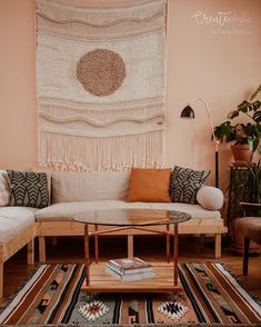 🌿+📚+🌵=💚 We do love this combo, don't we? Going to spend the evening cleaning and tidying (it really does NOT look like this photo at… Bohemian Living Rooms, Living Room Decor, Bohemian Decor, Room Ideas Bedroom, Bedroom Decor, Arizona, Apartment Living, Apartment Ideas, Minimalist Home