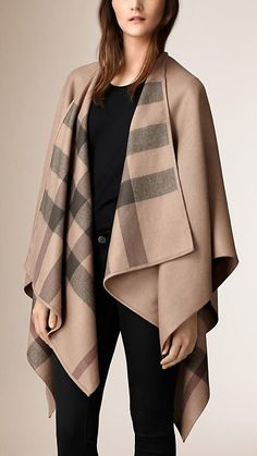 Burberry Smoked Trench Check-Lined Wool Wrap - Elegant wrap in extra fine Merino wool. Discover the women's outerwear collection at Burberry Passion For Fashion, Love Fashion, Fashion Design, Style Work, My Style, Women's Ponchos & Wraps, Burberry Poncho, Ladies Poncho, Wool Poncho
