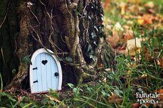 Fairy Door 'Bella' in Blue - Blue Fairy door - Fairy door for tree - Miniature door - Fairy garden - Fairytale door - Tooth Fairy door Fairy Doors On Trees, Fairy Garden Doors, Fairy Gardens, Miniature Gardens, Tooth Fairy Doors, Hedgehog House, Mermaid Ring, Blue Fairy, Fairy Garden Accessories