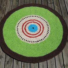 Crocheted rug with 4 yarntreds. Virkad matta med garn från garngrossisten. #rug #matta #crocheted #crochet #design #veronicafransson  #cotton