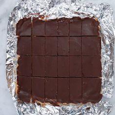 No-bake Chocolate Peanut Butter Bars Recipe by Tasty Peanut Butter Chocolate Bars, Semi Sweet Chocolate Chips, Chocolate Peanuts, No Bake Desserts, Delicious Desserts, Dessert Recipes, Yummy Food, Bark Recipe, Recipe Box