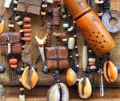 Amulets and talismans - Amuletos y talismanes Ethnic Jewelry, Jewelry Art, Jewelry Design, Jewellery, Larp, Medicine Bag, Assemblage Art, Lucky Charm, Evil Eye