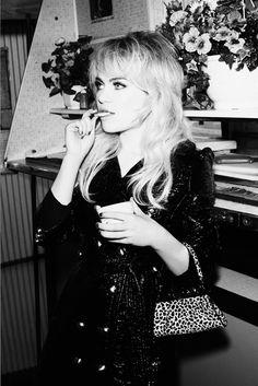 My girl, Duffy 1970s Hairstyles, Cute Hairstyles, Brigitte Bardot, Get Free Makeup, Medium Curly, Haircuts For Fine Hair, Beautiful Songs, Duffy, Celebs