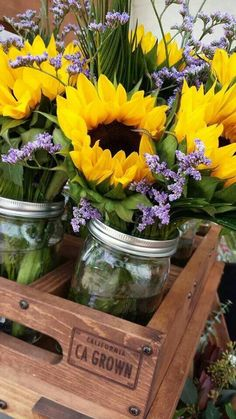 25 Sunny Flower Arrangements Making Great Yard Decorations and Table Centerpieces Flower Farm, My Flower, Happy Flowers, Beautiful Flowers, Simply Beautiful, Bouquet Champetre, Sunflowers And Daisies, Yellow Flowers, Sunflower Garden
