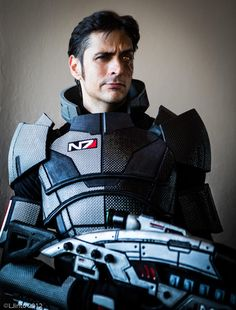 Mark Meer cosplaying as Male Commander Shepard. :D Talk about irony when a V.A. dresses up as their character.