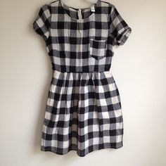Cute Dress Amazing fabric, never worn, fully lined, has two deep pockets on d sides, hidden full zip in d back, very cute in length n shape, no trades please Dresses