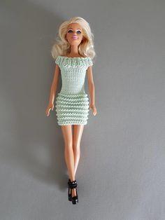 Barbie Knitting Patterns, Knitting Dolls Clothes, Knitted Dolls, Party Playlist, Barbie Clothes, Barbie Dolls, Tracey Ullman, American Girl, Doll Wardrobe