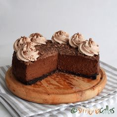 Cheesecake de ciocolata Romanian Desserts, Sweets Recipes, Something Sweet, Cheesecakes, Tiramisu, Mango, Deserts, Good Food, Ethnic Recipes