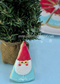 Yesterday I showed you my first Christmas Cookies of the season.Christmas Bow Cookies and today I'm going to share with you my First Santa Cookies. I've never made Santa Cookies before. Best Christmas Cookies, Christmas Bows, Christmas Gnome, Christmas Treats, Christmas Cakes, Father Christmas, Christmas Desserts, Christmas Decorations, Santa Cookies