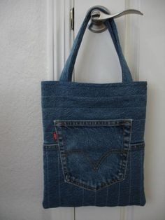 The Quilted Jeans Tote free sewing pattern by Jo-Lydia's Attic | Craftsy