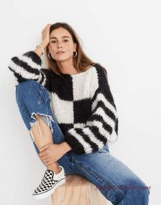 Madewell x Maiami Checker Big Sweater in black creme image 1 Casual Skirt Outfits, Cute Outfits, Big Sweater Outfit, Black Women Fashion, Womens Fashion, 50 Fashion, Petite Fashion, Cheap Fashion, Curvy Fashion