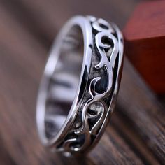 Men's Sterling Silver Ivy Pattern Spinner Ring