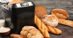 If you have a bread machine, find out how to use a bread maker like a pro. These 5 tips will help you masterthe art of breadmaking. Bread Maker Recipes, Loaf Recipes, Recipe Ingredients List, Baked Macaroni, Pan Bread, Top 5, How To Make Bread, Recipe Of The Day, Easy Meals