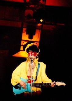Does anybody have a worse Prince picture than this?