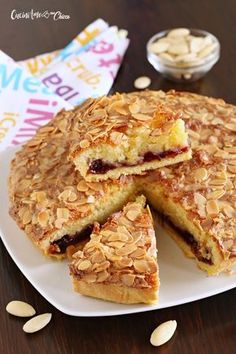 This post may contain some affiliate links. If you are looking to sale products made with this cut file please purchase a commercial license HERE! (This will let you use ANY of the free cut files… Italian Cake, Italian Desserts, Italian Recipes, Peaches And Cream Cake Recipe, Sweet Recipes, Cake Recipes, Confort Food, Cake Business, Sweet Pastries
