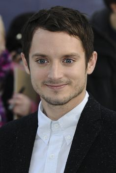 "Kelly & Michael: Elijah Wood ""The Hobbit: An Unexpected Journey"""