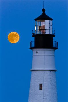 #Lighthouse and a full #moon - #Maine    http://www.roanokemyhomesweethome.com
