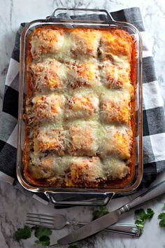 Frugal Food Items - How To Prepare Dinner And Luxuriate In Delightful Meals Without Having Shelling Out A Fortune Baked Ravioli Aka Bachelors Lasagna Zucchini Ravioli, Baked Ravioli, Ravioli Lasagna Bake, Ravioli Casserole, Cheese Lasagna, Casserole Recipes, Pasta Recipes, Meat Recipes, Recipies