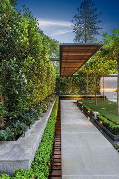 aménagement extérieur, allée de jardin et haie vivace #Casasminimalistas