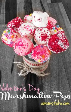 Valentines Day Marshmallow Pops - so simple dessert for vday that's perfect for parties or a classroom treat or just a goody for you and your sweetheart to enjoy! Chocolate dipped marshmallows!!