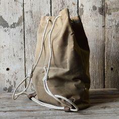 Waxed Canvas Croaker Sack in Truffle