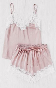 ROSEBUD CAMI & SHORTS PAJAMA SET Free Worldwide shipping on all orders