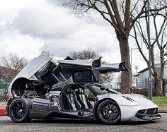 The Pagani Huayra - Super Car Center Pagani Huayra, Pagani Car, Koenigsegg, Weird Cars, Crazy Cars, Performance Cars, Modified Cars, Amazing Cars, Awesome