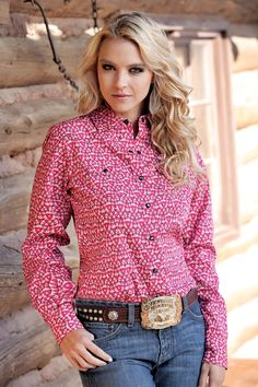 For tough enough to were pink night! Country Girl Outfits, Cute Country Girl, Country Wear, Country Shirts, Cowgirl Outfits, Western Outfits, Western Wear, Cowgirl Fashion, Cowgirl Clothing