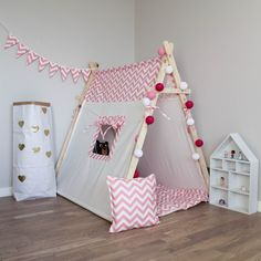 From old sheets can make children's tent Kids Tents, Teepee Kids, Teepees, Play Tents, Teepee Tent, Baby Bedroom, Kids Bedroom, Childrens Tent, Old Sheets