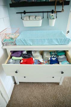 Best Baby Cribs In Master Bedroom Changing Tables Ideas - Modern Nursery Layout, Nursery Nook, Nursery Twins, Bedroom Layouts, Chic Nursery, Nautical Nursery, Nursery Design, Small Master Bedroom, Baby Bedroom