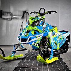 Snow Crafts, Crazy Toys, Snow Machine, Custom Wraps, Motocross Bikes, Snowboarding Outfit, Quad Bike, Engin, Riding Gear