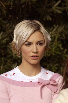 samaire armstrong The OC hair - Google Search