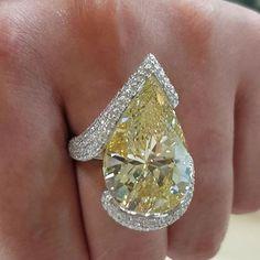 "Tatyana Pfaifer "" Booth 16 carat fancy yellow diamond ring by Mogul Gems at VOD Dubai Show…"" Yellow Diamond Rings, Diamond Cuts, Huge Diamond Rings, Faberge Eier, Colored Diamonds, Yellow Diamonds, Diamond Engagement Rings, Halo Engagement, Diamond Jewelry"