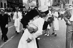 The woman kissed by an ecstatic sailor in Times Square celebrating the end of World War II has died.. Greta Zimmer Friedman's son says his mother died Thursday at a Richmond, Virginia, hospital of what he called complications from old age. She was 92.